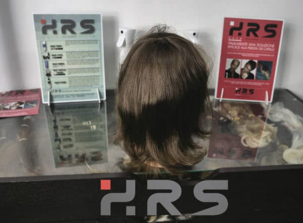 Protesi capelli autoadesiva